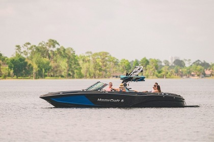Hire Motorboat Mastercraft X26 Saint-Saphorin