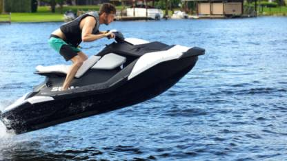 Location Jet-ski Sea Doo Spark La Grande-Motte