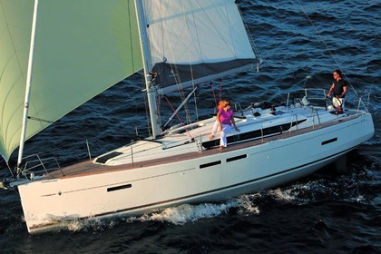 Hire Sailboat Jeanneau Sun Odyssey 419 Las Galletas