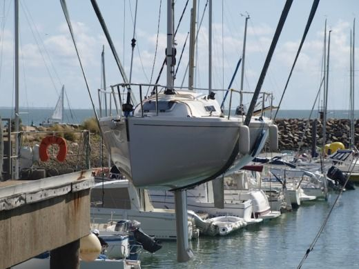 J Composites J80 a Saint-Cast-le-Guildo da noleggiare