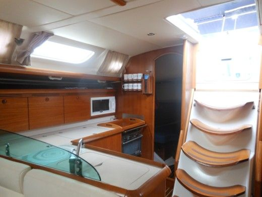 Jeanneau Sun Odyssey 43 in Toulon for hire