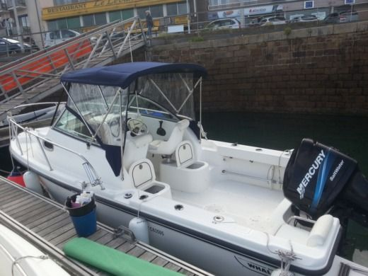 Boston Whaler Eastsport 6.20 a Epidavros da noleggiare