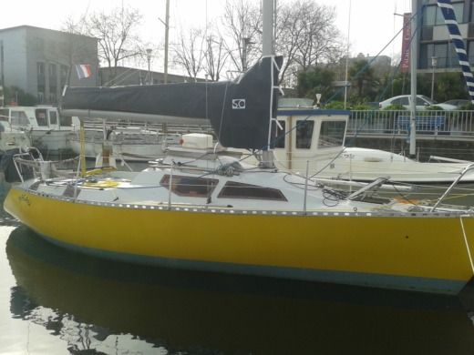 Sailboat Chantier Perret Fast 26 for hire