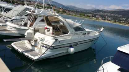 Charter Motorboat Sealine 328 Open Split