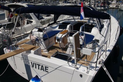 Hire Sailboat HANSE HANSE 455 Medulin