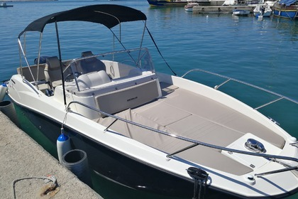 Rental Motorboat QUICKSILVER 675 Poreč