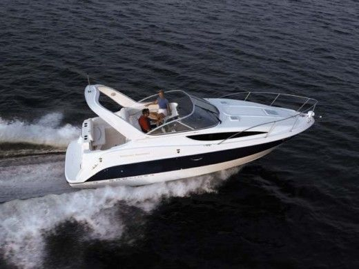 Motorboat Bayliner 285sb peer-to-peer