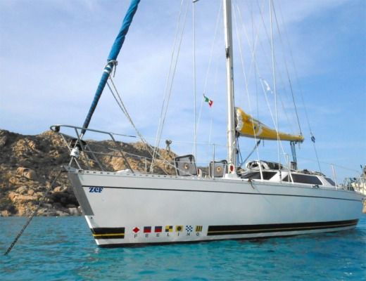 Sailboat KIRIE Feeling1090 for hire