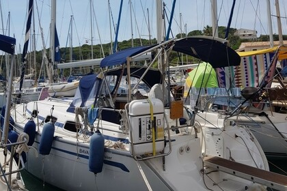 Rental Sailboat Bavaria 30 Cruiser Saint-Mandrier-sur-Mer