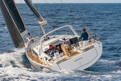 Charter Sailboat Beneteau Sailboat 42 Key Biscayne