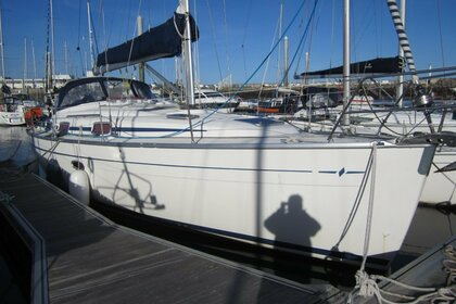 Hire Sailboat BAVARIA 37 CRUISER Saint-Quay-Portrieux