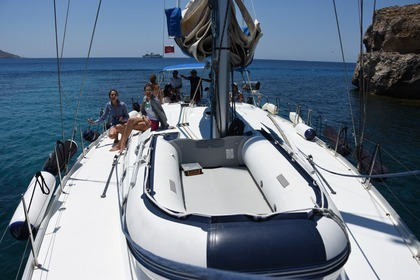 Hire Sailboat BENETEAU CYCLADES 50.5 Sliema