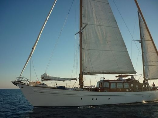 Sailboat VIUDES  LAURENT GILES KETCH BERMUDIEN for hire