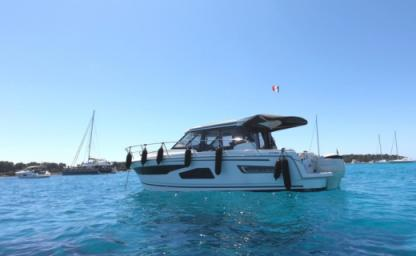 Charter Motorboat Jeanneau Merry Fischer 1095 Cannes