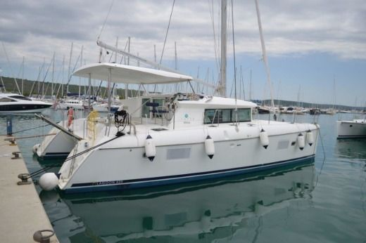 Charter catamaran in Zadar peer-to-peer