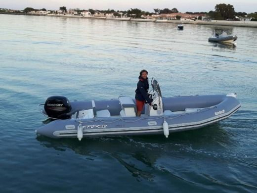 Charter rIB in La Flotte peer-to-peer
