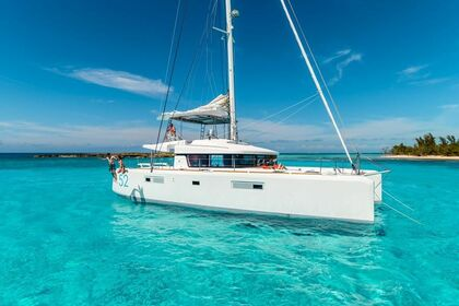 Charter Catamaran LAGOON 52 Leeward Islands