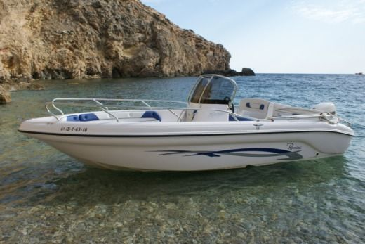 Motorboat RANIERI VOYAGER 19 for hire