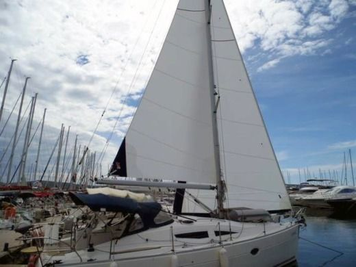 Sailboat Elan Elan 344 Imp peer-to-peer