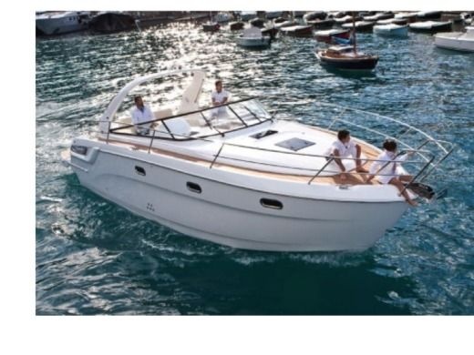 Motorboat BAVARIA Sport 34 peer-to-peer