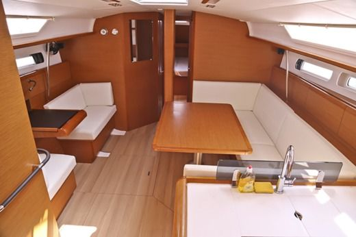 Sailboat Jeanneau Sun Odyssey 439 for hire