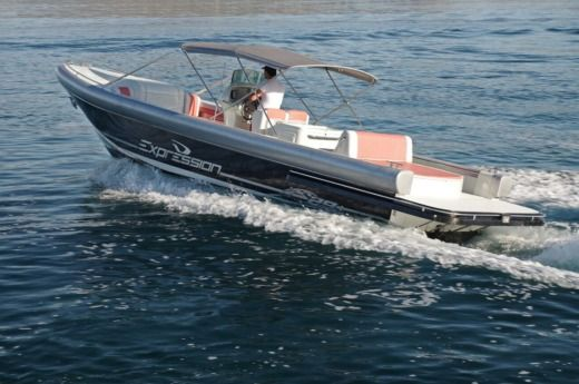 Motorboat Expression Boats Expression 29 for hire