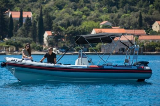 Jocker Boat Clubman 21 in Dubrovnik for hire