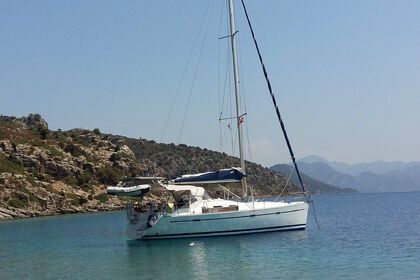 Charter Sailboat BENETEAU OCEANIS CLIPPER 393 Gallipoli