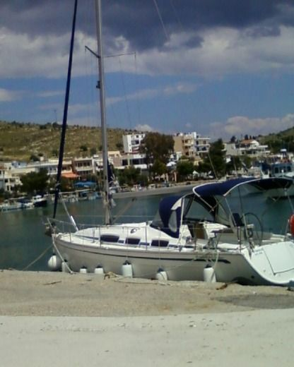 Charter Sailboat Bavaria 31 Cruiser Athens