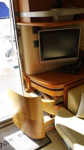 Motorboat AZIMUT Azimuth 50 Fly for hire