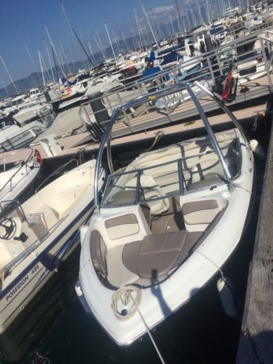 Barca a motore FOUR WINNS HORIZON 180 tra privati
