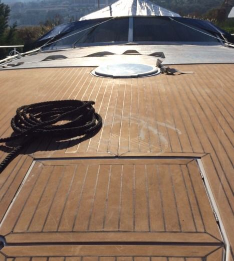 Motorboat PERSHING 45 for hire