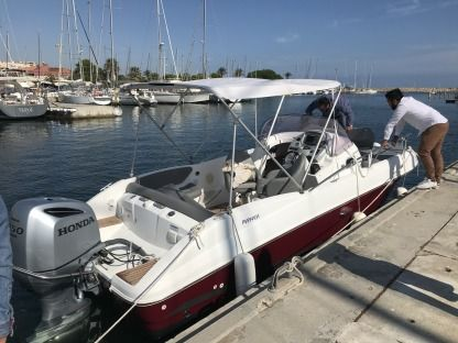 Rental Motorboat Beneteau Flyer 750 Hyères