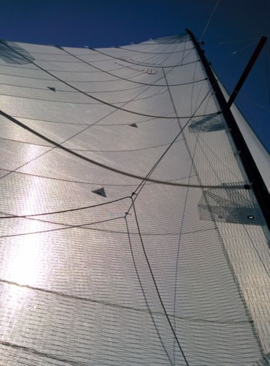 Sailboat Tricat T25 peer-to-peer