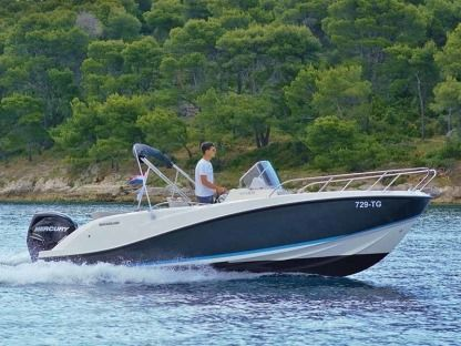 Rental Motorboat Quicksilver 675 Activ Open Makarska