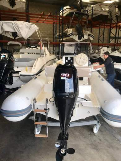 Location Semi-rigide Capelli Tempest 530 Shark Iii Model 2018 Tamariu