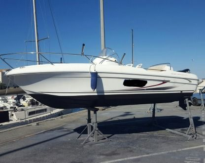 Rental Motorboat Beneteau Flyer 650 Open Frontignan