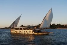Charter sailboat in Luxor