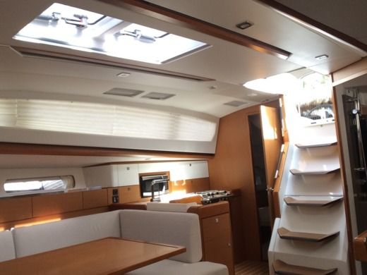 Jeanneau 44 Ds in Miami for hire