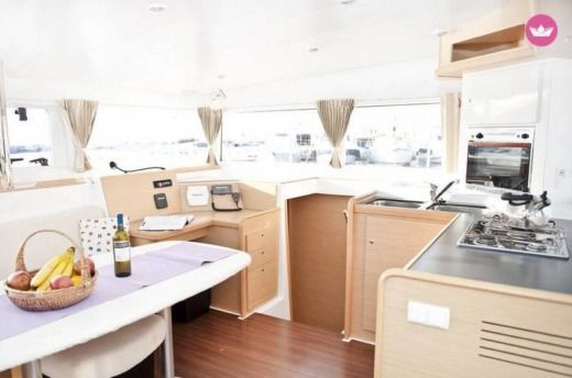 Location Catamaran Beneteau Lagoon 400 Alimos