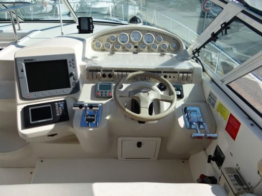 Lancha Cruiser Yacht   Kcs International Esprit 4270 en alquiler