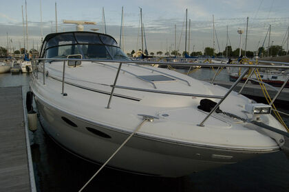 Hire Motorboat Sea Ray 380 Miami Beach