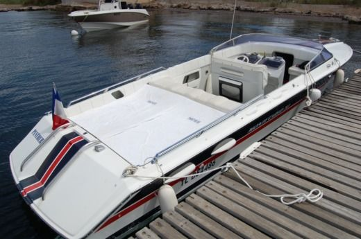 Motorboat Monte Carlo 30 Offshorer for hire