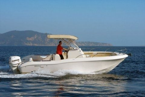 Motorboat RANIER EVO 25 for hire