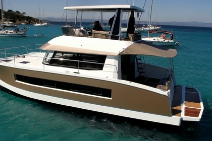 Hire Catamaran FOUNTAINE PAJOT MY 37 Saint-Florent