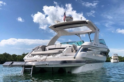 Charter Motorboat FOUR WINNS H350 Aventura