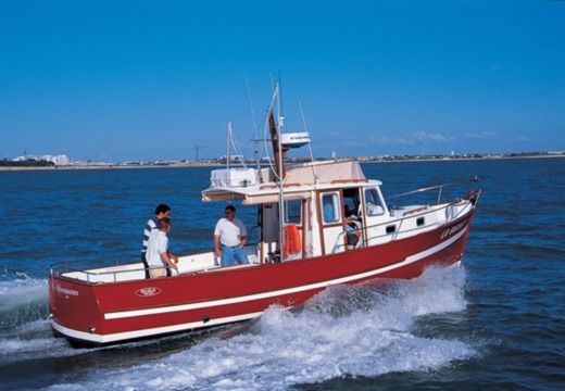 Charter motorboat in Cherbourg-Octeville
