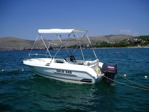 Galeon Galia 440 in Trogir for hire