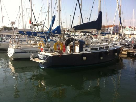 Chatam Caroff Chatam in Lisbon for hire