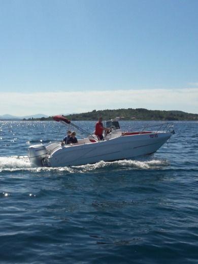 Charter Blumax Bluline 21 In Vodice Click Amp Boat